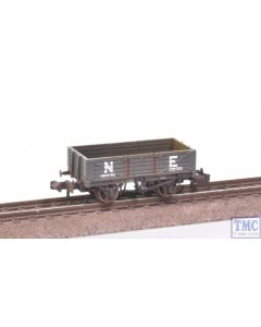 377-062 Graham Farish N Gauge 5 Plank Wooden Floor Wagon NE (with Wagon Load) Weathered by TMC