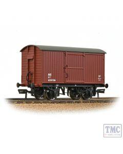 38-375B Bachmann OO Gauge LNER 12T Ventilated Van Planked Ends LNER Bauxite
