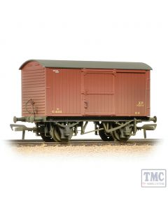 38-477 Bachmann OO Gauge 12 Ton Non-ventilated Van BR Bauxite (Early) Weathered