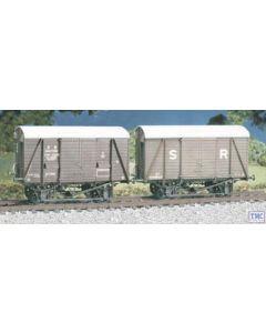 594 Ratio OO/HO SR 12 ton Even Planked Ventilated Box Van (M/W)