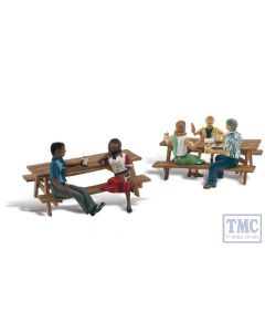 A2214 Woodland Scenics N Gauge Outdoor Dining