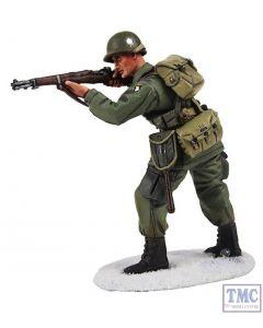B25044 W.Britain U.S. 101st Airborne Infantry Standing Firing Winter 1944-45 World War II Collection