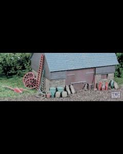 SSAM100 OO Gauge Farmyard Junk