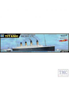 PKTM03719 Trumpeter 1:200 Scale Titanic with USB LED light set