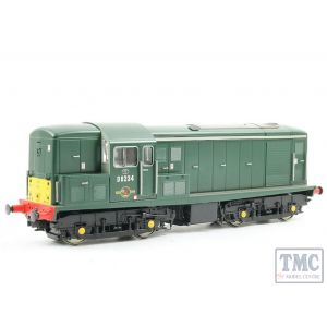 1511 Heljan OO Gauge Class 15 D8234 in green with small yellow panels; gloss finish as Liverpool St. pilot