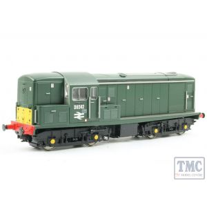 1512 Heljan OO Gauge Class 15 D8242 in green with small yellow panels with seriffed numbers & double arrows
