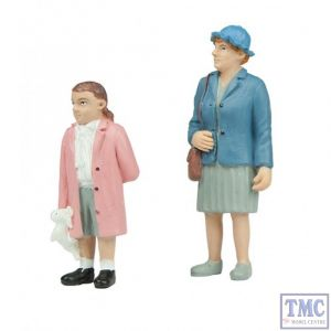 22-196 Scenecraft G Scale Grandma and Granddaughter