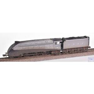 2S-008-011 Dapol N Gauge A4 Valanced Silver Fox LNER Silver Grey