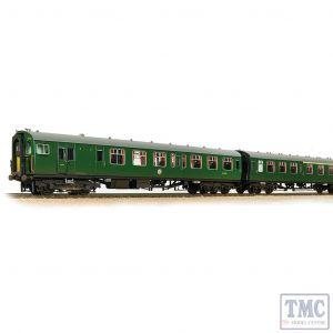 31-426C Bachmann OO Gauge Class 411 4-CEP 4-Car EMU 7122 BR (SR) Green (Small Yellow Panels) - Weathered