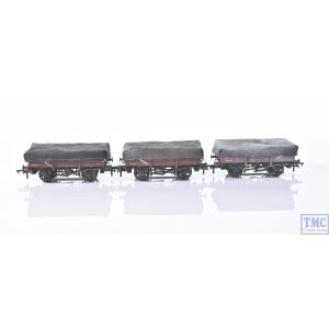33-091 Bachmann OO Gauge 5 Plank China Clay 3-Wagon Pack BR Bauxite (Early) With Tarpaulin Covers