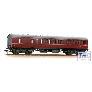 34-630A Bachmann OO Gauge BR Mk1 57ft 'Suburban' BS Brake Second BR Maroon - Includes Passenger Figures