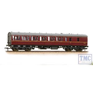 34-630B Bachmann OO Gauge BR Mk1 57ft 'Suburban' BS Brake Second BR Maroon - Includes Passenger Figures
