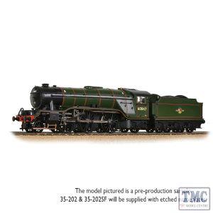 35-202 Bachmann OO Gauge LNER V2 60847 'St Peter's School' BR Lined Green (Late Crest)