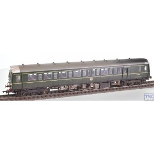 35-525SF Branchline OO Gauge Class 121 Single-Car DMU BR Green (Speed Whiskers)