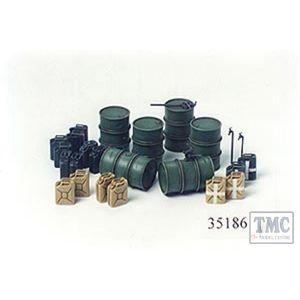 35186 Tamiya 1:35 Scale German Fuel Drums