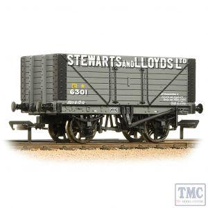 37-157A Bachmann OO Gauge 8 Plank Wagon Fixed End 'Stewart & Lloyds Ltd' Grey