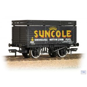 37-208 Bachmann OO Gauge 8 Plank Wagon with Coke Rails 'Suncole'