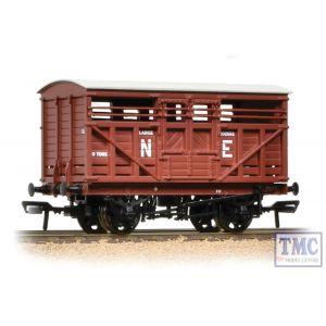 37-706A Bachmann OO Gauge 12 Ton LMS Cattle Wagon NE Brown