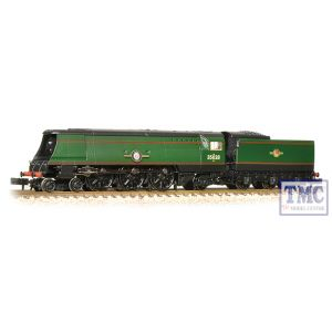 372-312 Graham Farish N Gauge Merchant Navy Class 35028 Clan Line BR Green L/Crest