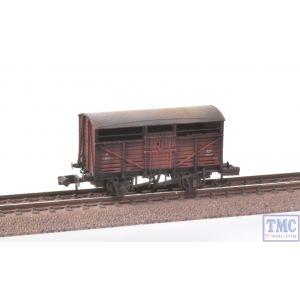 373-260C Graham Farish N Gauge 8 Ton Cattle Wagon BR Bauxite (Early) Deluxe Weathering by TMC