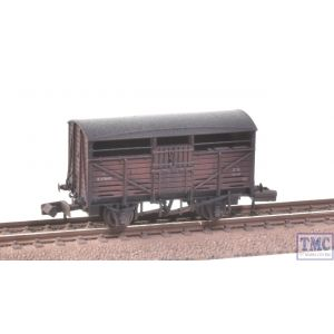 373-260C Graham Farish N Gauge 8 Ton Cattle Wagon BR Bauxite (Early) Extra Detail Weathering by TMC