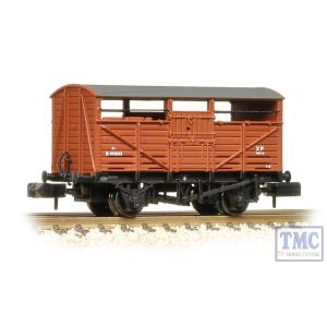 373-260C Graham Farish N Gauge 8 Ton Cattle Wagon BR Bauxite (Early)