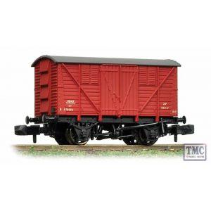 373-740 Graham Farish N Gauge 10 Ton BR Meat Van BR Crimson