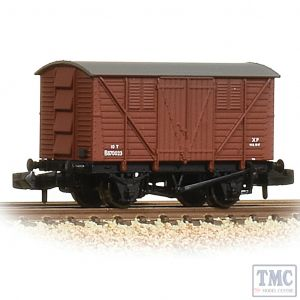 373-741A Graham Farish N Gauge BR 10T Meat Van BR Bauxite (Early)