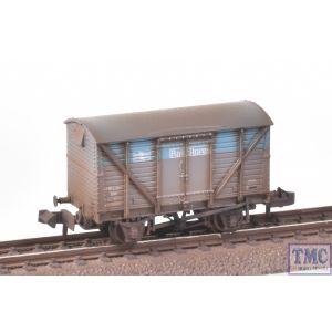 377-629 Graham Farish N Gauge BR 12T Ventilated Van Plywood Doors BR Departmental Rail Stores with Deluxe Weathering by TMC