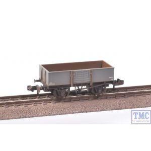 377-957 Graham Farish N Gauge 13 Ton H/Sided Steel Wagon (Smooth Sides) Wooden Door BR Grey Deluxe Weathering by TMC