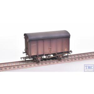 38-077 Bachmann OO Gauge SR 12T Plywood Ventilated Van BR Bauxite (Late) - Weathered