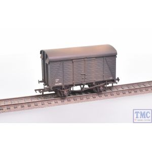 38-083A Bachmann OO Gauge 12 Ton Southern 2+2 Planked Ventilated Van GWR Grey