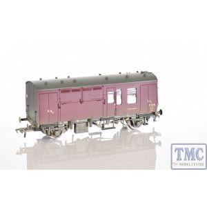 38-528Z Bachmann OO/HO Scale SR Green Horse Box As preserved at NRM Shildon S96369 (Single)