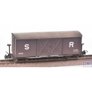 393-028 Bachmann OO9 Narrow Gauge Bogie Covered Goods Wagon SR Brown