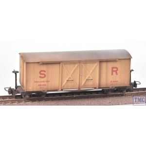 393-030 Bachmann OO9 Narrow Gauge Bogie Covered Goods Wagon SR Insulated