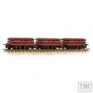 393-076 Bachmann OO9 Narrow Gauge Slate Wagons 3-Pack Red with Slate Load - Includes Wagon Load