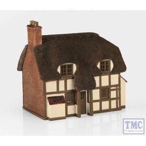 44-0019 Scenecraft OO Gauge Thatched Cottage