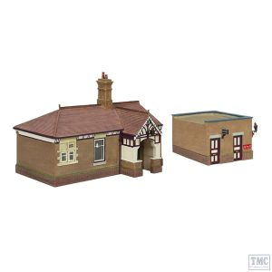 44-090C Scenecraft OO Gauge Bluebell Waiting Room and Toilet Crimson and Cream