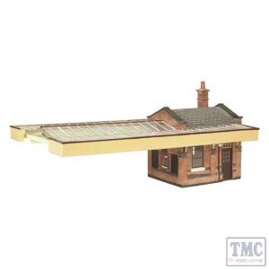 44-117B Scenecraft OO gauge Great Central Station Booking office w/Canopy Brown & Cream