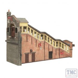 44-119B Scenecraft OO gauge Great Central High Level Station Entrance Brown & Cream