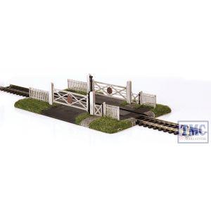 44-189 Scenecraft OO Gauge Gated Level Crossing