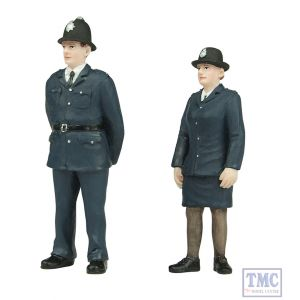 47-407 Scenecraft O Gauge Policeman and Policewoman (pack of 2 figures)