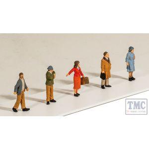 5302 Modelscene OO Gauge Passengers Standing