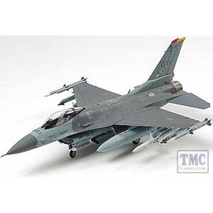 60788 Tamiya 1:72 Scale F - 16CJ Fighting Falcon Block 50 with equipmnt