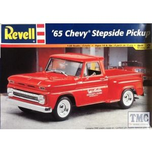 Revell 1:25 '65 Chevy Stepside Pickup Kit No 85-7677 (Pre owned)