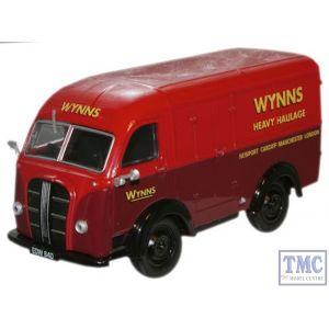 AK013 Oxford Diecast 1:43 Scale Wynns Austin K8 Austin K8 Van
