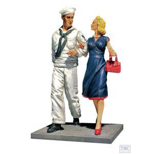 B13031 W.Britain Shore Leave - U.S.N. Sailor on Liberty with Date 1942-45 Jack Tars & Leathernecks