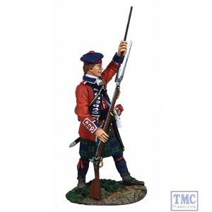 B16048 W.Britain British 42nd Royal Highland Regiment Standing Ramming - Clash of Empires