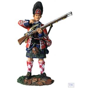 B16056 W.Britain 42nd RHR Grenadier Standing Tearing Cartridge 1760-63 Clash of Empires