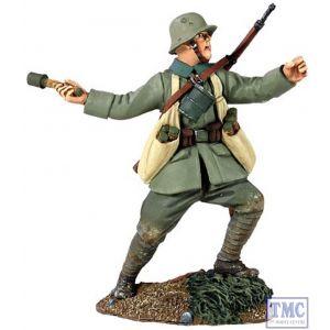 B23053 W.Britain 1916-18 German Infantry Throwing Grenade 2 World War I Collection